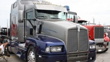 Kenworth T600 Truck Parts | AGA Parts